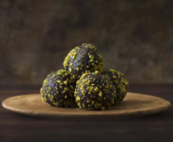 nutty balls for healthy breakfast